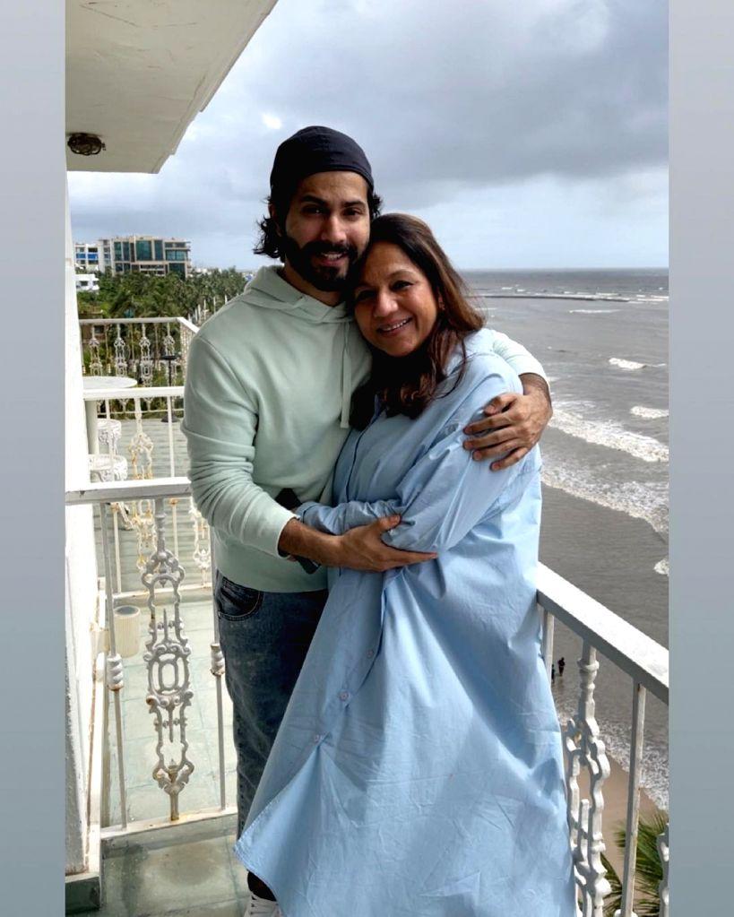 Varun Dhawan wishes mom Karuna on her birthday, calls her his strength.(photo:Instagram)