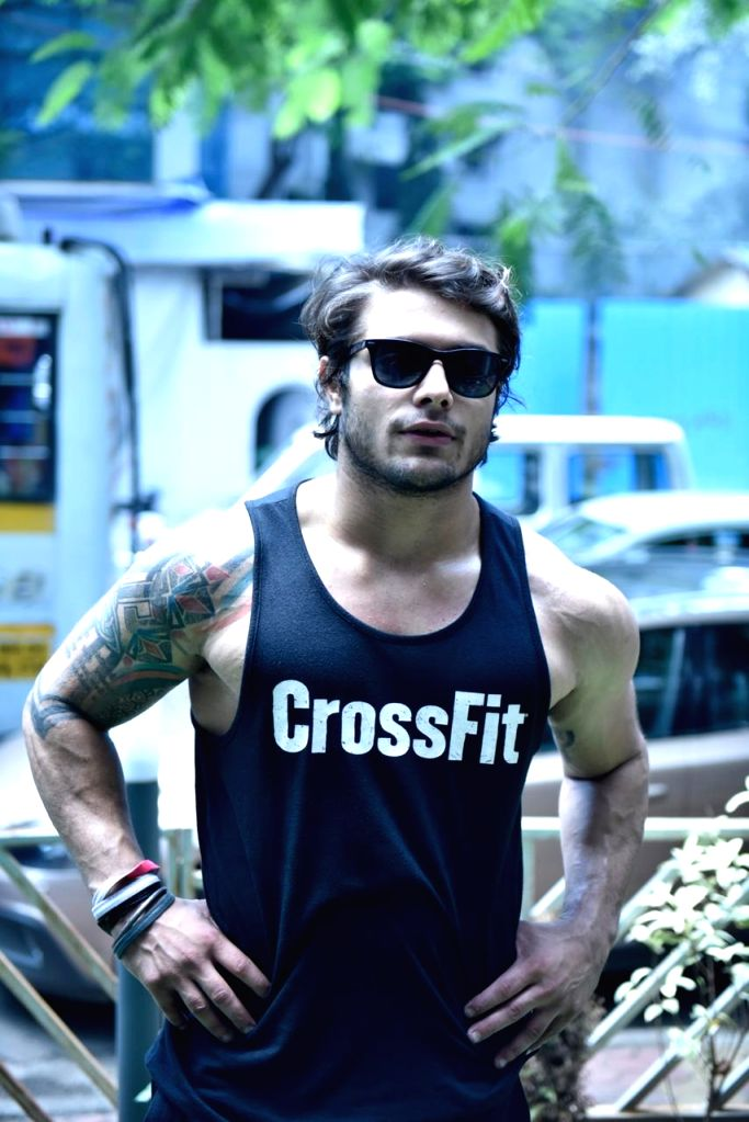 Vedharth Thappa, is the only Indian to represent CrossFit Internationally, and life for him now revolves around the sport. He is also the founder of one of the very few CrossFit affiliated boxes in the country.