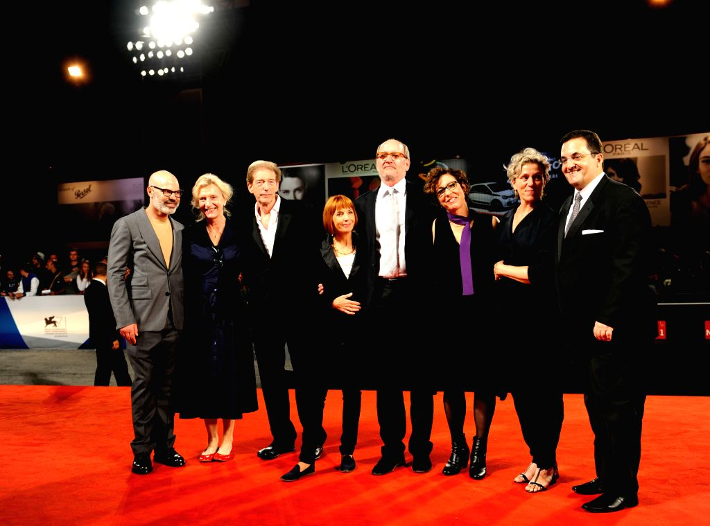 """Actor Richard Jenkins (4th R), actress Frances McDormand (2nd R) and director Lisa Cholodenko (3rd R) pose on the red carpet for """"Olive Kitteridge"""" during . - Richard Jenkins"""