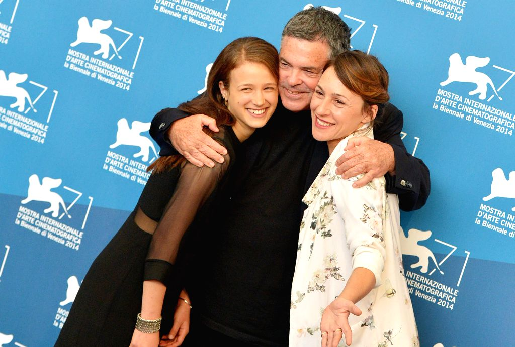 """Actress Meshi Olinski, director Amos Gitai and actress Sara Adler (from L to R) pose during the photo call for """"Tsili"""" which is selected for screening ... - Meshi Olinski"""