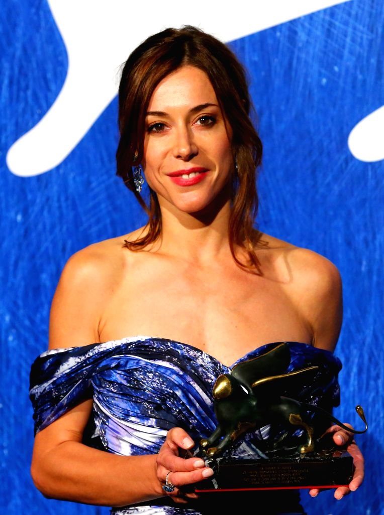 """VENICE, Sept. 11, 2016 - Actress Ruth Diaz poses with the Orizzonti Award for Best Actress for """"Tarde Para La Ira"""" during the award winners photocall of the 73rd Venice Film Festival in ... - Ruth Diaz"""