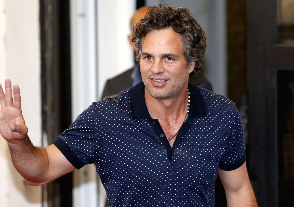 """VENICE, Sept. 3, 2015 (Xinhua) -- Mark Ruffalo attends a photocall for """"Spotlight"""" during the 72nd Venice Film Festival at Lido island in Venice, Italy, Sept. 3, 2015. (Xinhua/Ye Pingfan/IANS)"""