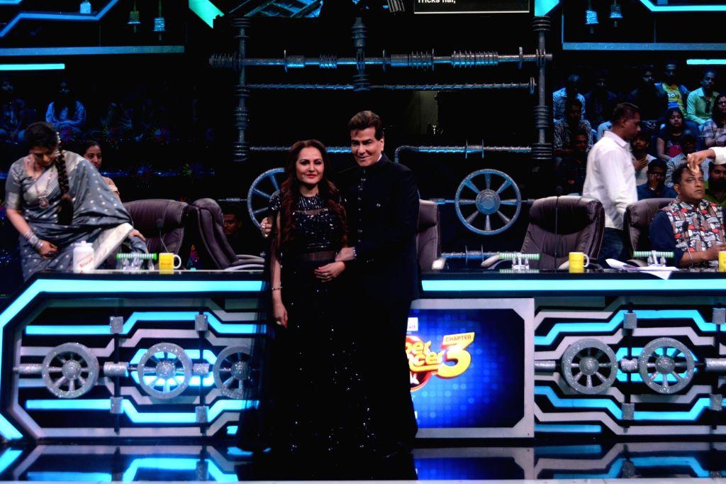 Veteran actors Jeetendra and Jaya Prada on the set of Super Dancer 3 in Mumbai, on Feb 18, 2019. - Jeetendra and Jaya Prada
