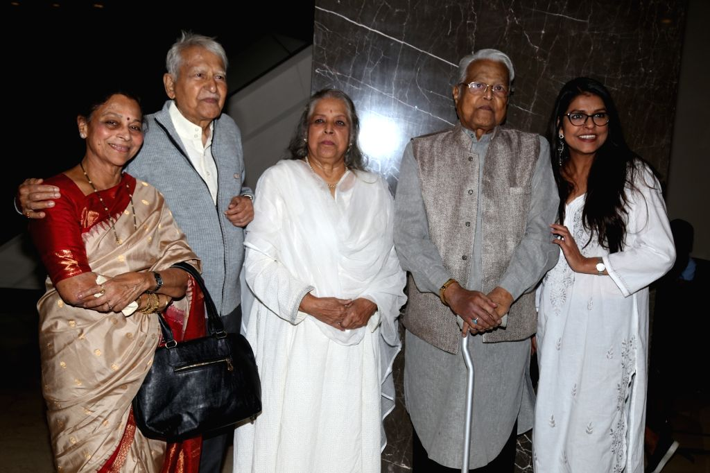 Veteran actors Seema Deo with husband Ramesh Deo, Shubha Khote, Viju Khote and Bhavana Balsavar at the inauguration of ActFest, which is organised by Cine and TV Artistes' Association ... - Seema Deo