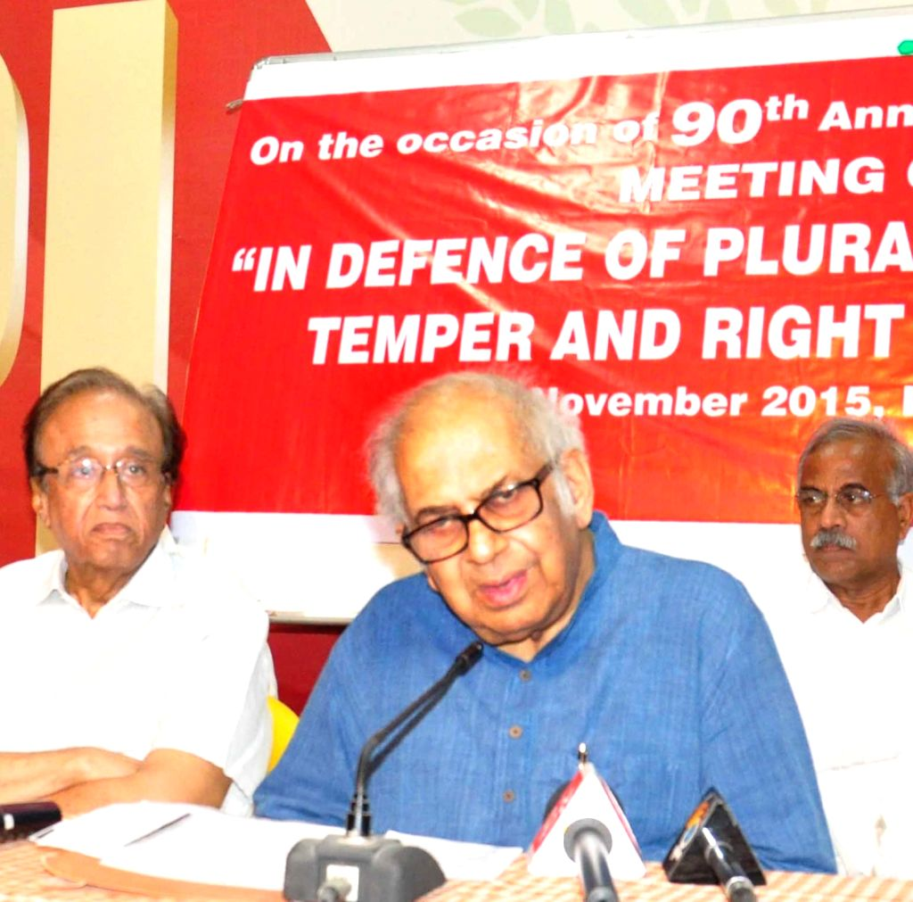 """Veteran scientist PM Bhargava, who returned his Padma Bhushan to protest rising intolerance in the country addresses at during a seminar on """"In Defence of Pluralism- Scientific Temper ..."""