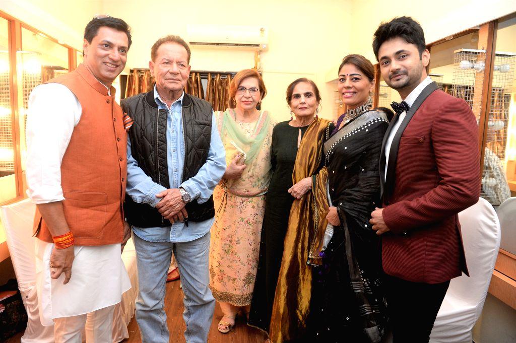 Veteran screenwriter-actor Salim Khan with his wife-actress Helen, director Madhur Bhandarkar and Salma Khan, mother of actor Salman Khan at the 2019 Deenanath Mangeshkar Awards, in Mumbai, ... - Salim Khan, Salma Khan and Salman Khan