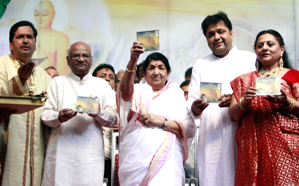 Veteran singer Lata Mangeshkar during Independence Day celebrations in Mumbai on Aug 15, 2014.