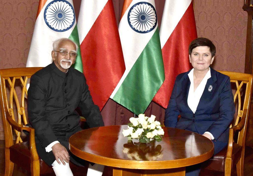 Vice President M Hamid Ansari and Poland Prime Minister Beata Szydlo in Warsaw, Poland on April 27, 2017. - Beata Szydlo