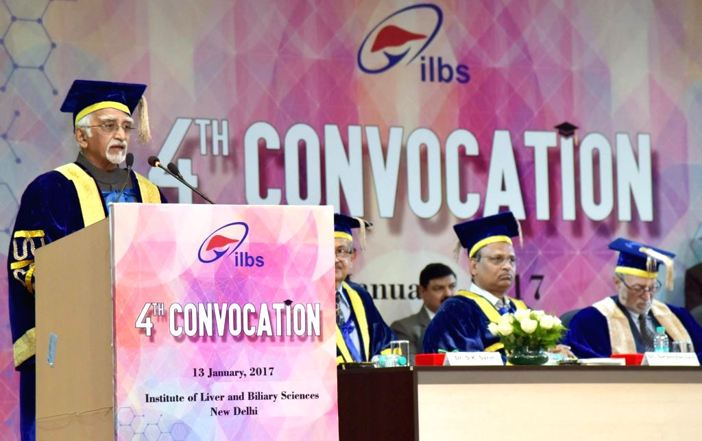 Vice President M. Hamid Ansari delivers the 4th Convocation Address at the Institute of Liver and Biliary Sciences, in New Delhi on Jan 13, 2017.