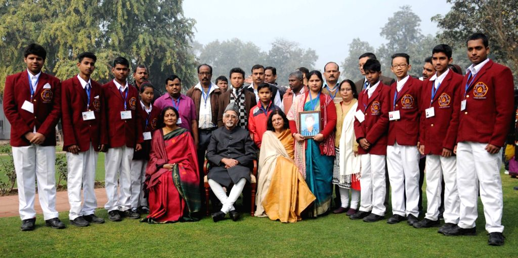 Vice President M. Hamid Ansari with a group of children who have been conferred the 'National Bravery Award – 2015', in New Delhi on Jan 22, 2016.