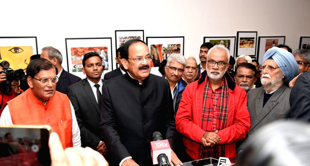 Vice President M. Venkaiah Naidu addresses after inaugurating the 5th Bi-Annual Photo Exhibition - The Big Picture, organised by the Working News Camerapersons Association, in New Delhi on ... - M. Venkaiah Naidu