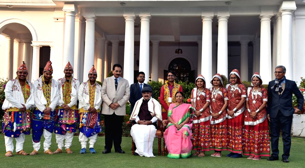 Vice President M. Venkaiah Naidu and his wife Usha Naidu with the tableaux artists from Gujarat, who participated in the 2019 Republic Day Parade in New Delhi, on Jan 28, 2019. - M. Venkaiah Naidu and Usha Naidu