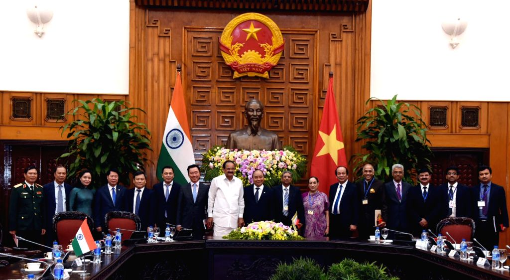 Vice President M. Venkaiah Naidu and Vietnam Prime Minister Nguyen Xuan Phuc with delegates from both sides at the Prime Minister???s Office in Hanoi, Vietnam on May 11, 2019. - Nguyen Xuan Phuc and M. Venkaiah Naidu