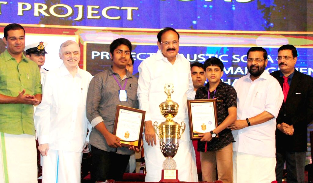Vice President M. Venkaiah Naidu confers the Adi Shankara Young Scientist Awards 2018, at Adi Shankara Institute of Engineering and Technology in Kochi, Kerala on May 21, 2018. Also seen ... - M. Venkaiah Naidu