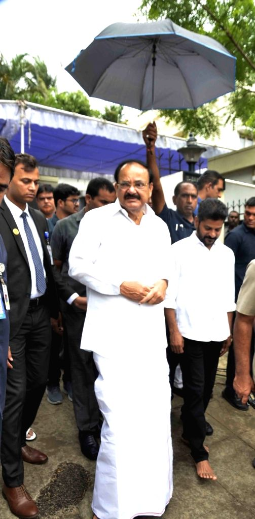Vice President M Venkaiah Naidu leaves after paying homage to senior Congress leader and former Union minister S. Jaipal Reddy in Hyderabad on July 28, 2019. Jaipal Reddy passed away in ... - S. Jaipal Reddy and M Venkaiah Naidu
