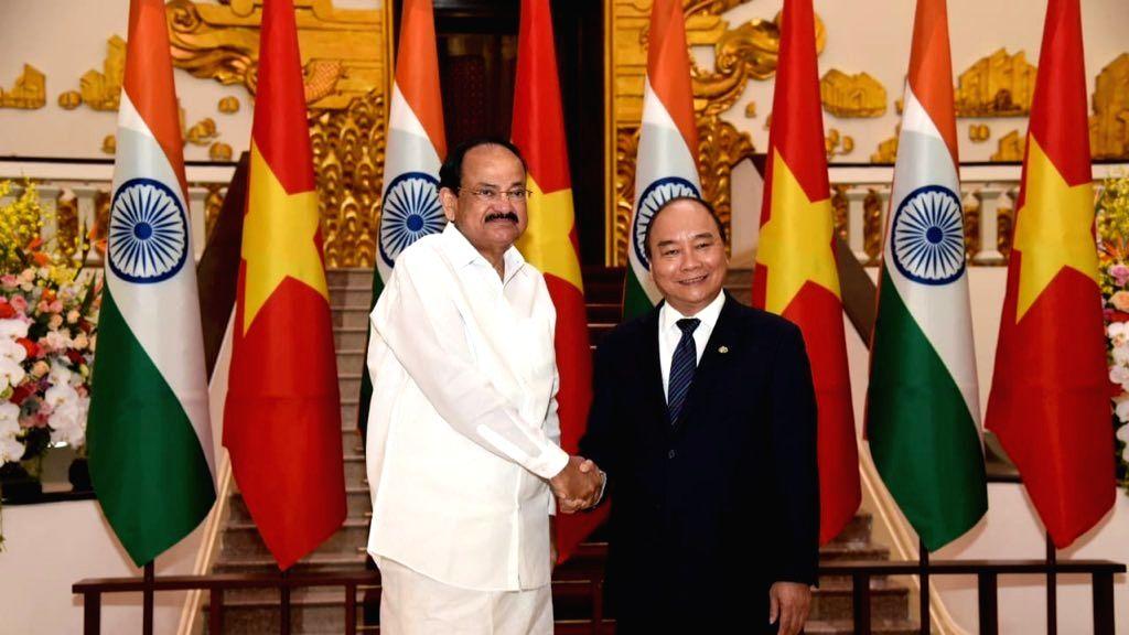 Vice President M. Venkaiah Naidu meets Vietnam Prime Minister Nguyen Xuan Phuc in Hanoi, Vietnam on May 11, 2019. - Nguyen Xuan Phuc and M. Venkaiah Naidu