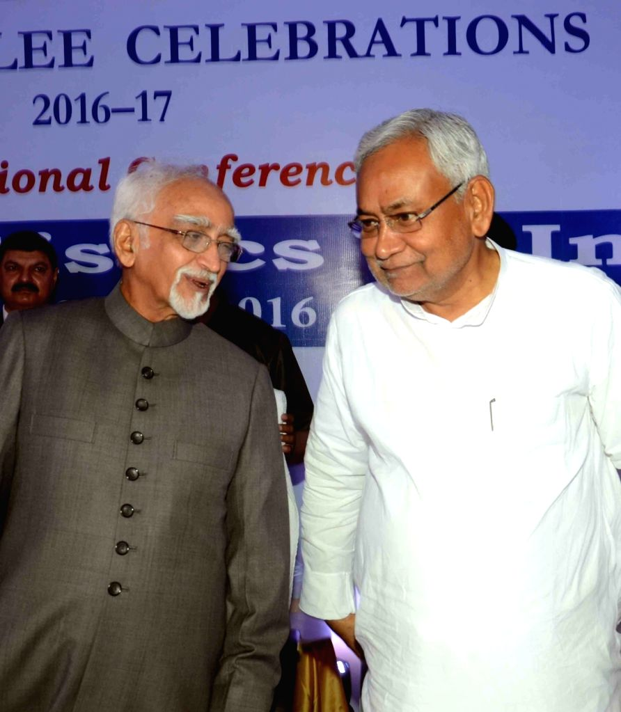 Vice-President Mohammad Hamid Ansari and Bihar Chief Minister Nitish Kumar during an international conference on 'Social Statistics in India' in Patna on June 24, 2016. - Nitish Kumar