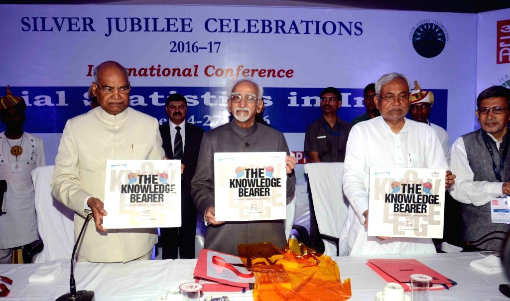 Vice-President Mohammad Hamid Ansari, Bihar Governor Ramnath Kobind and Chief Minister Nitish Kumar during an international conference on 'Social Statistics in India' in Patna on June 24, 2016. - Nitish Kumar