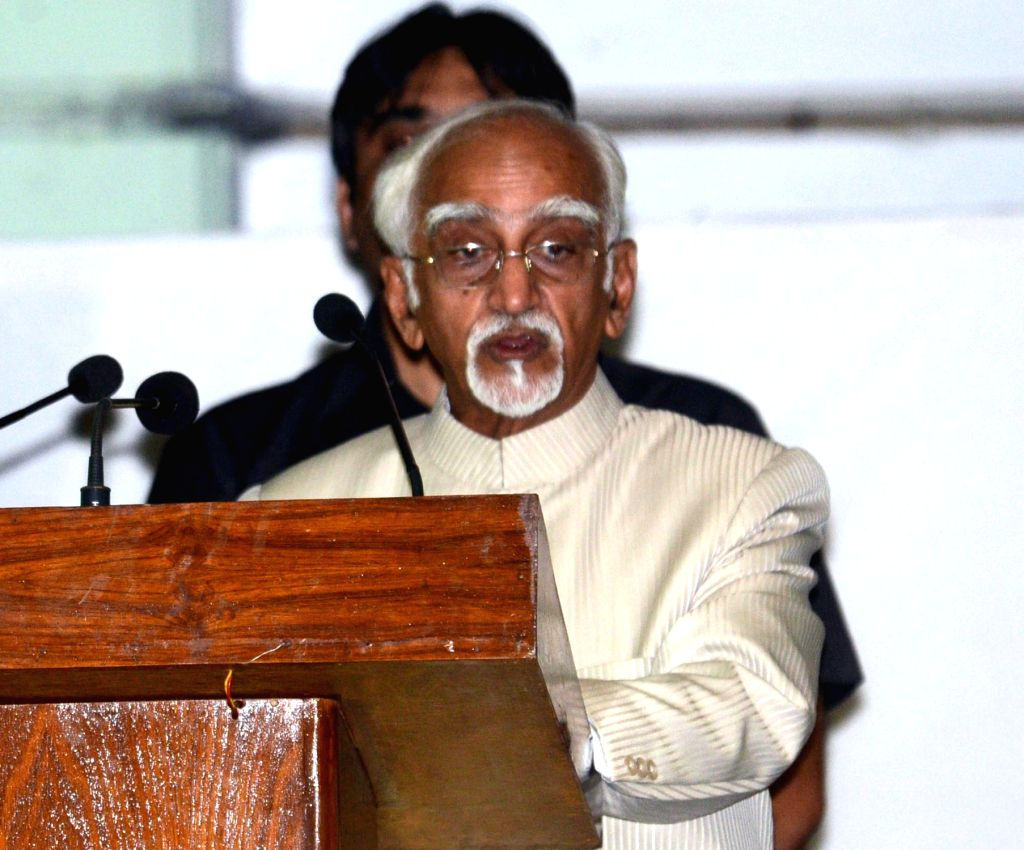 Vice-President Mohammad Hamid Ansari delivers Asiatic Society for Gandhi Memorial Lecture  in Kolkata on Oct 2, 2016.