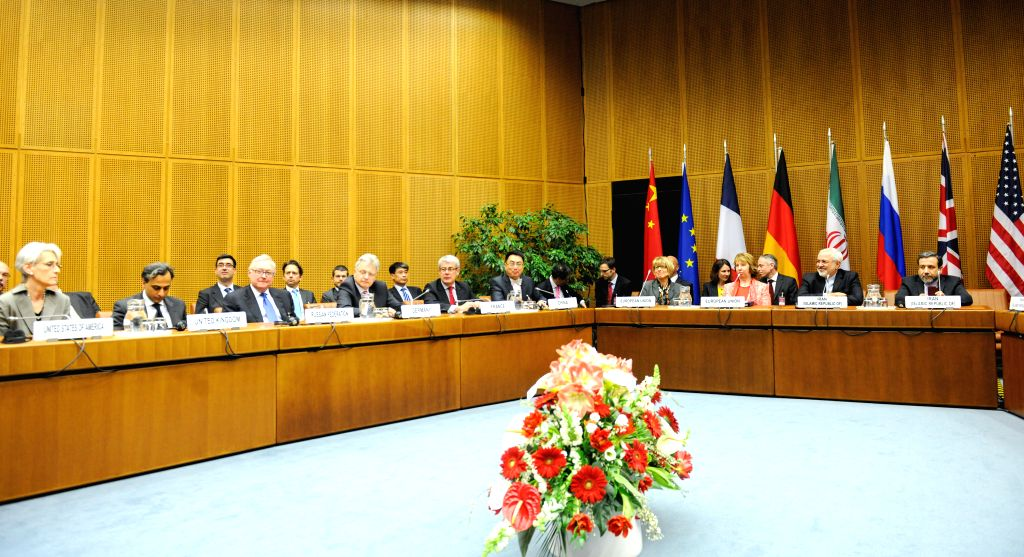 Delegates attend the closing session of the third round discussion on Iran's nuclear program in Vienna April 9, 2014. Iran and six major states hold detailed ...