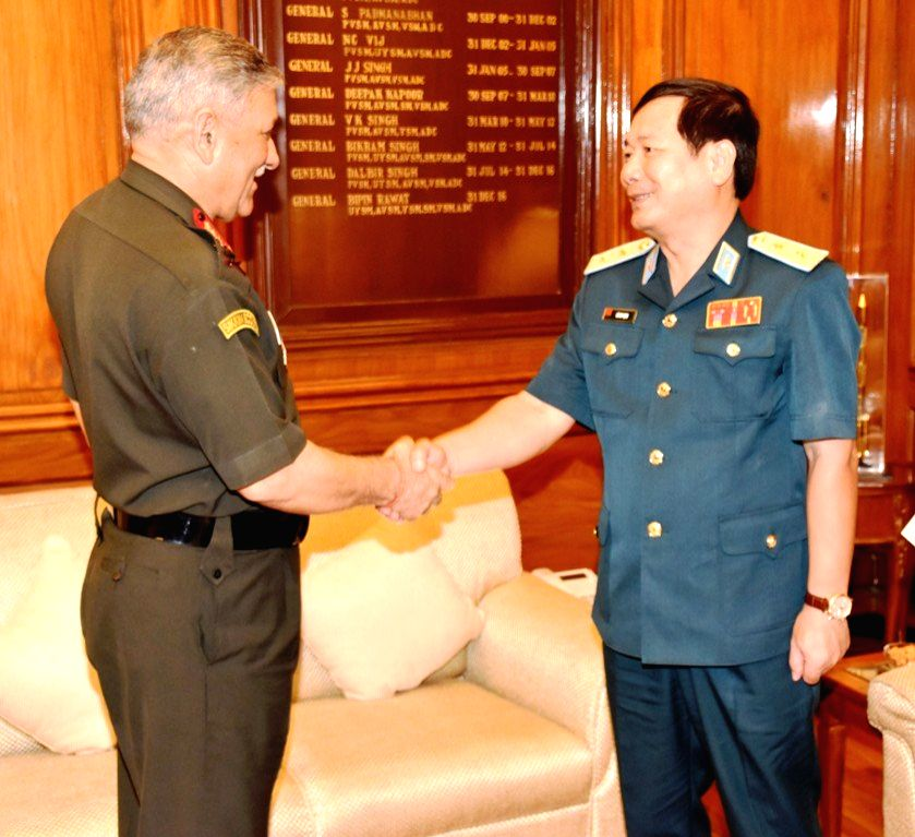 Vietnam People's Air Force and Air Defence Commander-in-Chief, Lieutenant General Le Huy Vinh meets Indian Army chief General Bipin Rawat at the Integrated Defence Staff headquarter in ...
