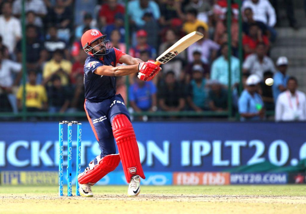 Vijay Shankar of Delhi Daredevils in action during an IPL 2018 match between Delhi Daredevils and Mumbai Indians at Feroz Shah Kotla Stadium in New Delhi on May 20, 2018.