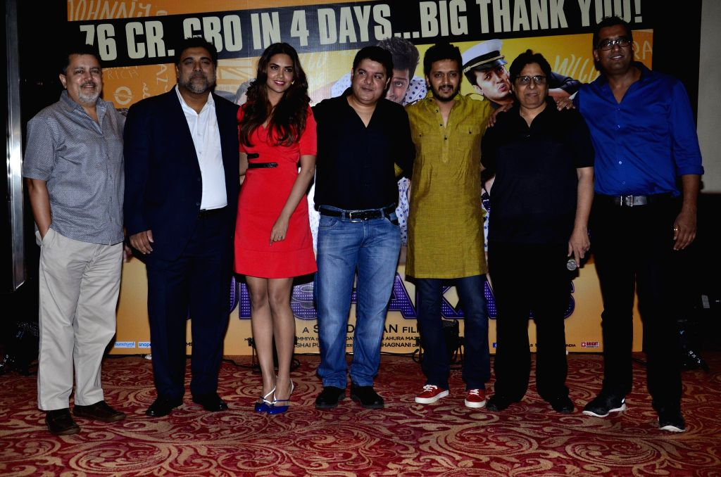 Vijay Singh, CEO, Fox Star Studios Pvt.Ltd, Bollywood actors Ram Kapoor, Esha Gupta, filmmaker Sajid Khan, actor Riteish Deshmukh and filmmaker Vashu Bhagnani during the success party of film ... - Riteish Deshmukh, Ram Kapoor, Esha Gupta, Vijay Singh and Sajid Khan