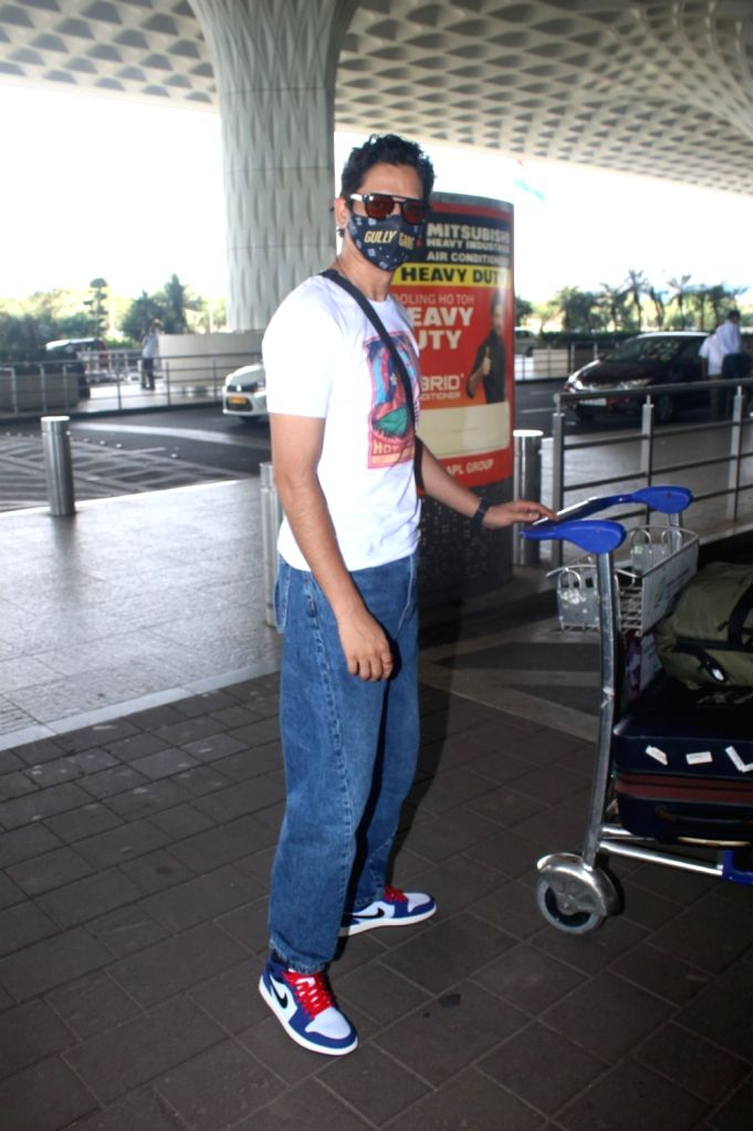 Vijay Varma Spotted at Airport Departure On Saturday, 24 April, 2021.