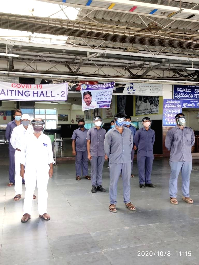 Vijayawada division railway employees pledge Covid appropriate behaviour.