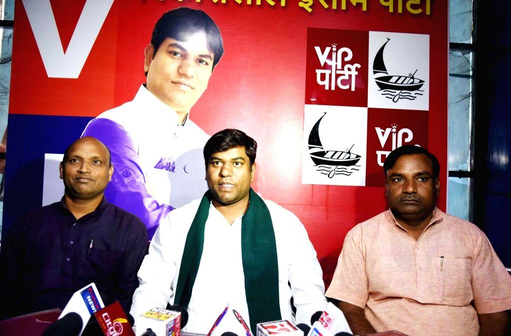 Vikassheel Insaan Party (VIP) chief Mukesh Sahani addresses a press conference in Patna on Oct 25, 2019.