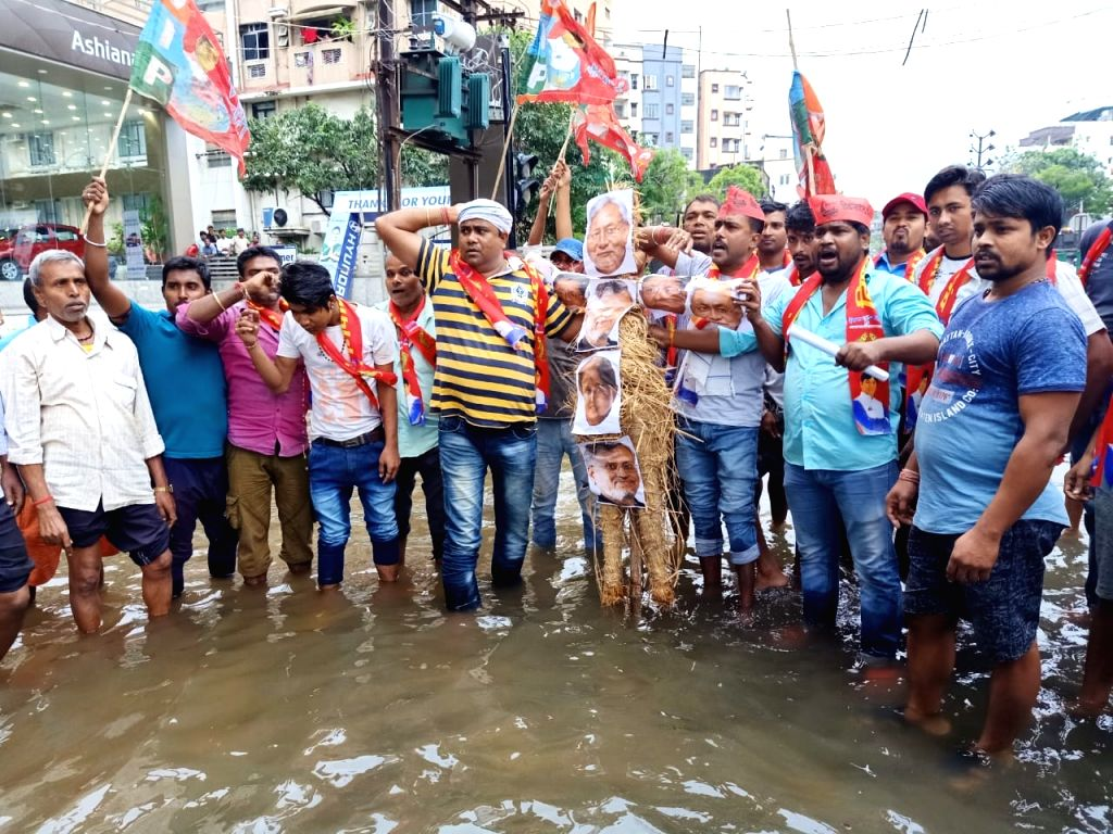Vikassheel Insaan Party (VIP) workers stage a demonstration against the flood situation in Bihar, on Sep 30, 2019.