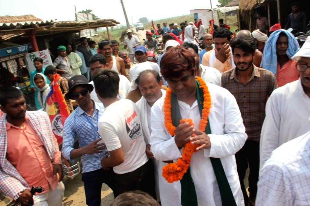 Vikassheel Insan Party (VIP) chief and the Grand Alliance's Lok Sabha candidate from Khagaria, Mukesh Sahni during a roadshow in Bihar's Khagaria, on April 13, 2019.