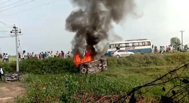 Violence in UP's Lakhimpur-Kheri after farmers run over by vehicle.
