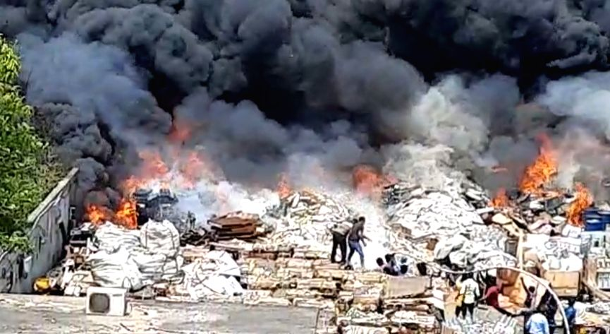 Visakhapatnam: Fire at scrapyard leads to panic in Andhra SEZ.