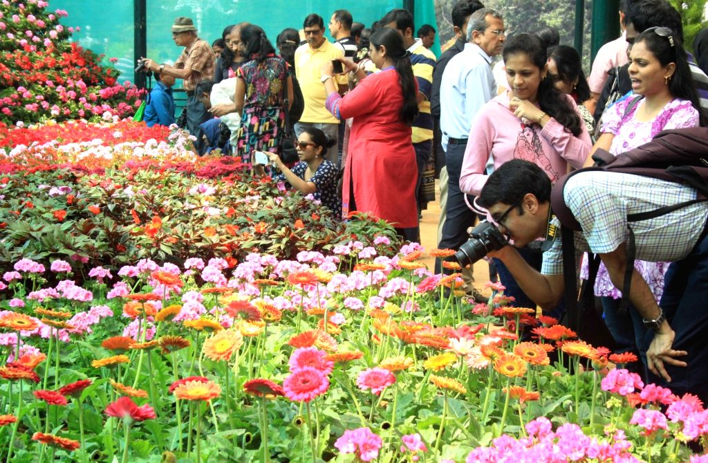 Visitors at the inauguration of the annual Republic Day National Flower Festival 2016 at Lalbagh, in Bengaluru, on Jan 16, 2016.