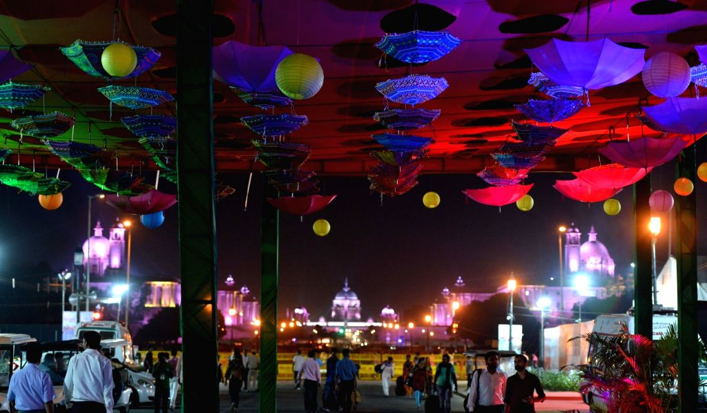 Visitors at the 'Paryatan Parv' organised by the Ministry of Tourism at Rajpath in New Delhi on Sept 18, 2018.