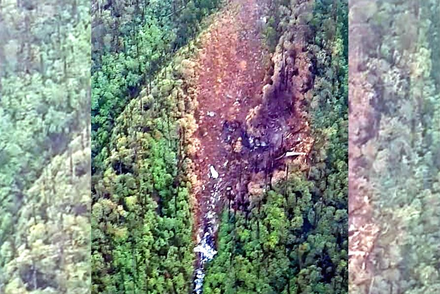 Visual of the wreckage of the missing AN-32 spotted earlier today 16 Kms North of Lipo, North East of Tato, at an approximate elevation of 12000 ft, in Arunachal Pradesh by the IAF Mi-17 ...