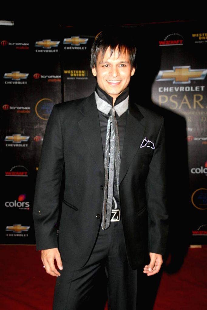 Vivek Oberoi at Apsara Awards in Chitrakot Grounds.