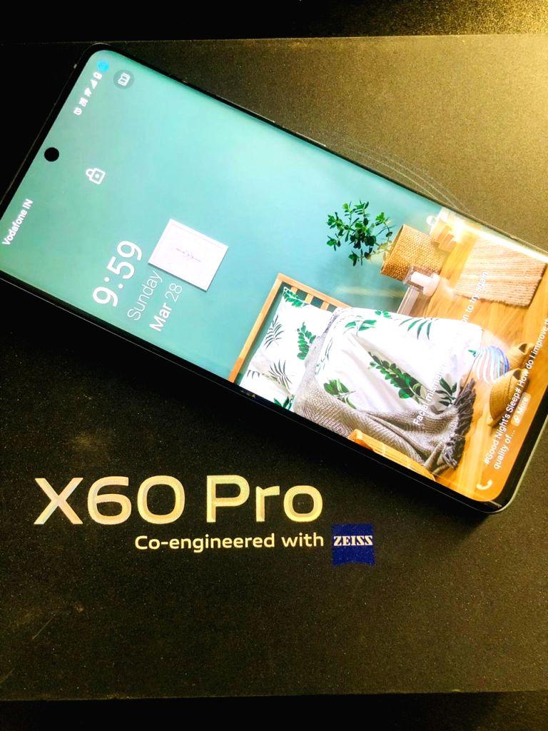 Vivo X60 Pro offers stylish design, impressive camera.