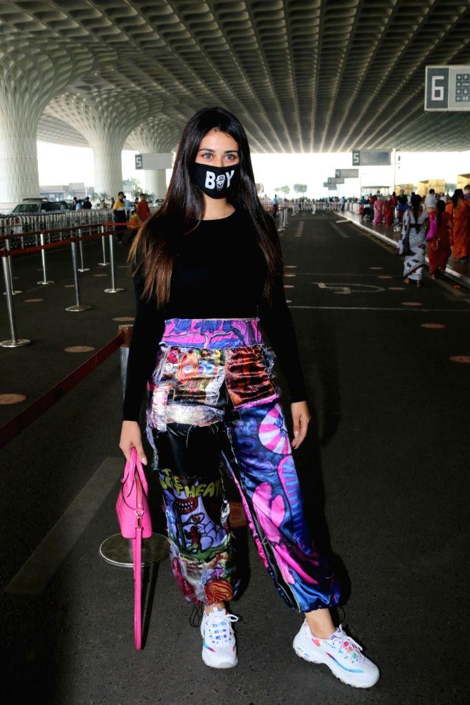 Warina Hussain seen at Airport on Thursday, 28 January 2021.