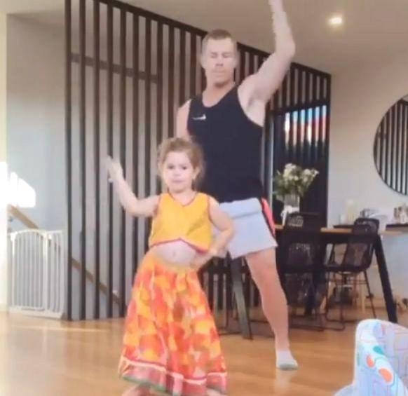 Warner dances on 'Sheila Ki Jawani' with his daughter.