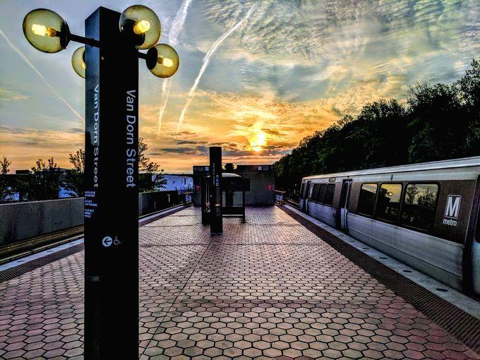 Washington D.C. may suspend weekend subway service. (credit: twitter.com/wmata)