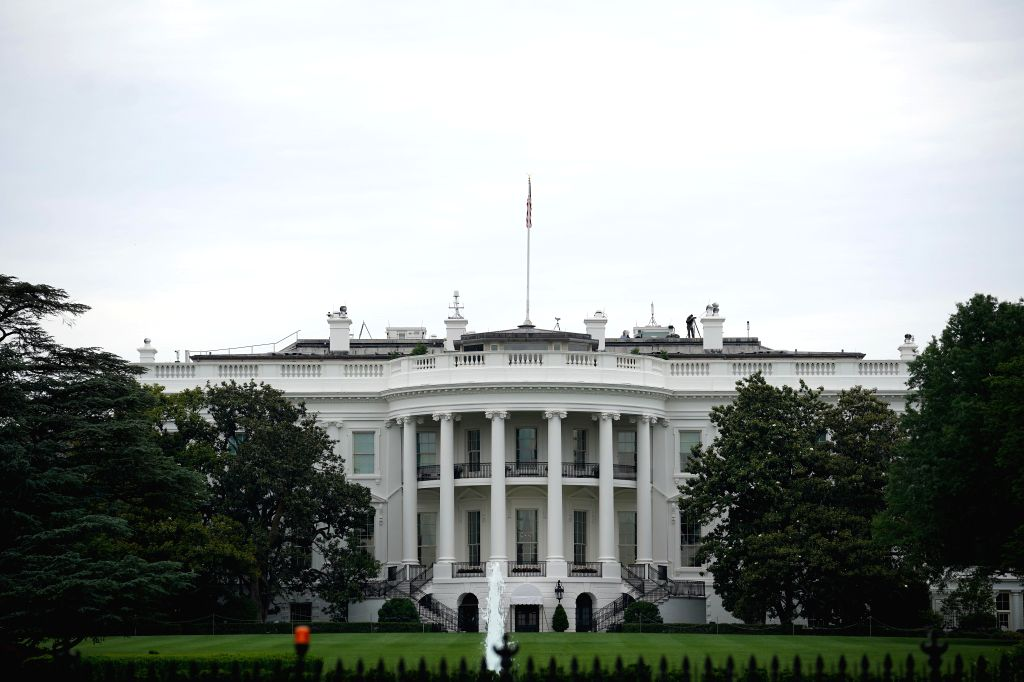 WASHINGTON, May 17, 2019 (Xinhua) -- Photo taken on May 17, 2019 shows the White House in Washington D.C., the United States. U.S. President Donald Trump on Friday delayed slapping additional tariffs on imported autos and auto parts for 180 days, say