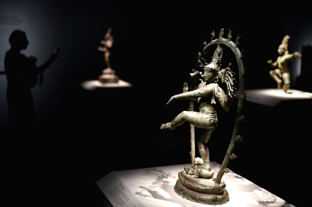 WASHINGTON, Oct. 12, 2017 - A visitor views artworks from India at the Freer Gallery of Art in Washington D.C., the United States, on Oct. 11, 2017. Freer Gallery of Art, together with its adjacent ...