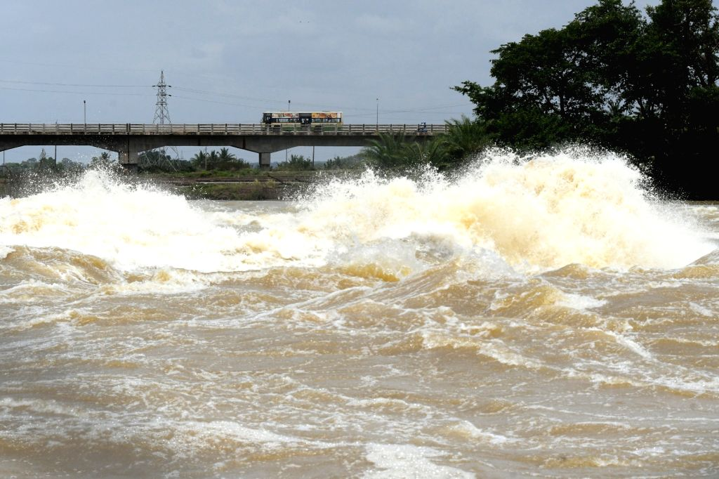 Water releases from the Krishnaraja Sagar (KSR) dam following the continues rains in the Cauvery catchment areas, in Mysuru on Aug 11, 2019.