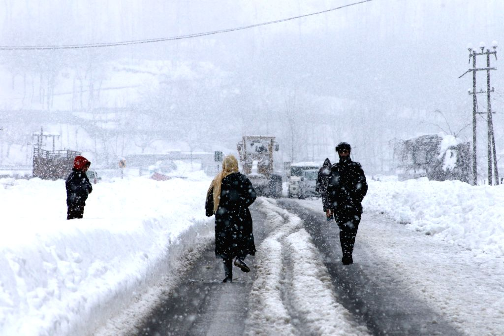 Weather improves in J&K, Ladakh after 4 days (Photo: IANS)