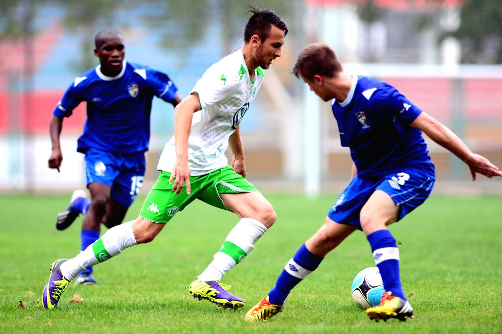 Steffen Blechner (C) of VfL Wolfsburg breaks through during the match between VfL Wolfsburg and Western Cape at the Weifang Cup International Youth Football ...