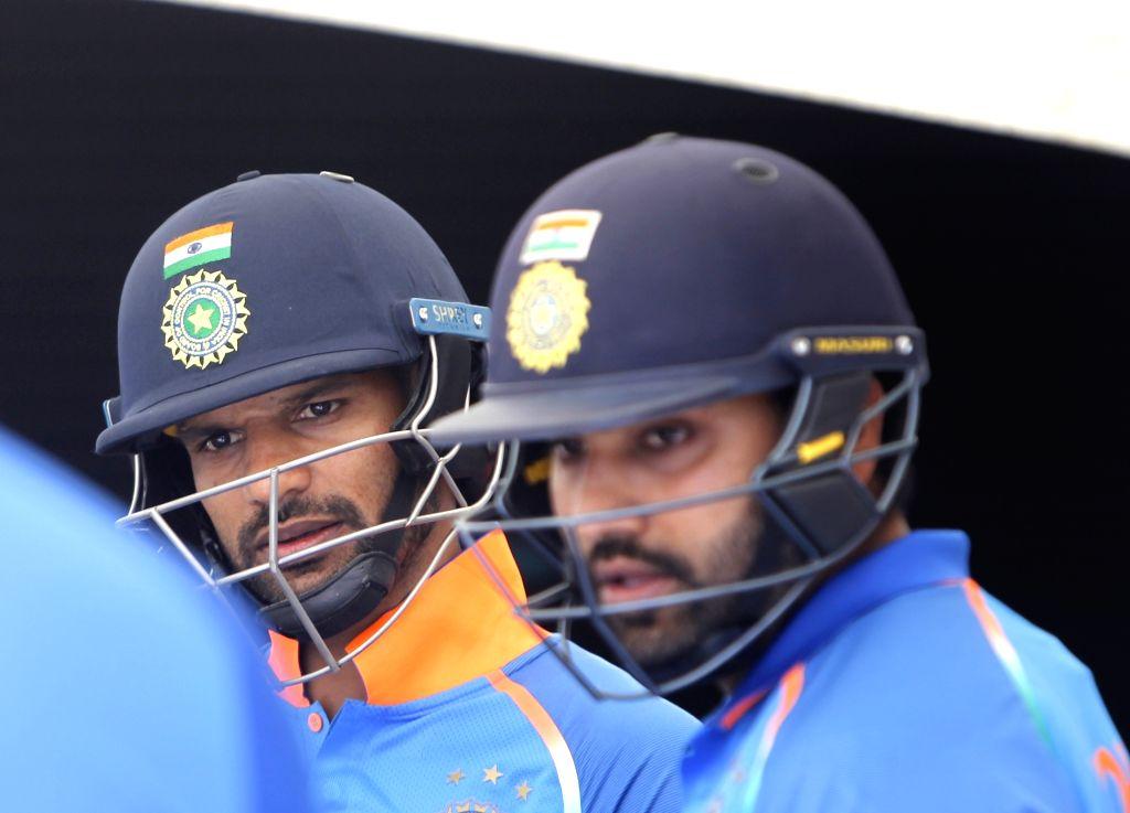 Wellington (New Zealand): Indian batsmen Rohit Sharma and Shikhar Dhawan during the fifth ODI between India and New Zealand at Westpac Stadium, Wellington on Feb. 3, 2019. (Photo: Surjeet Yadav/IANS) - Shikhar Dhawan, Rohit Sharma and Surjeet Yadav
