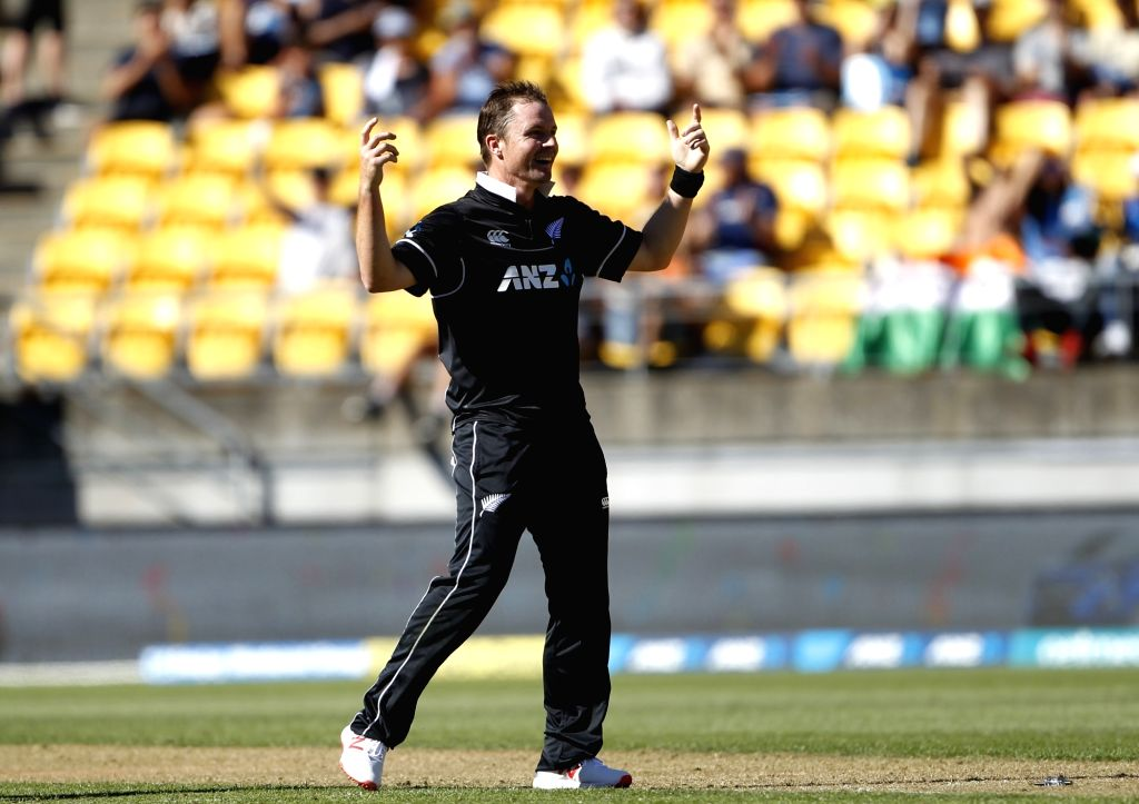 Wellington (New Zealand): New Zealand bowler Colin Munro celebrates wicket of Vijay Shankar during the fifth ODI between India and New Zealand at Westpac Stadium, Wellington on Feb. 3, 2019. - Colin Munro
