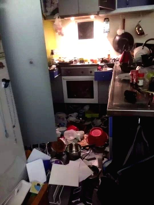 WELLINGTON, Nov. 13, 2016 - Photo taken on Nov. 14, 2016 (local time) shows a kitchen of a house in Wellington, New Zealand. A major earthquake rocked South Island of New Zealand in the wee hours of ...